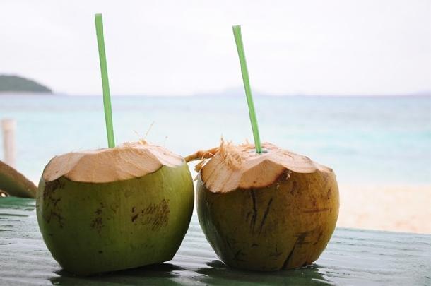 Những đồ uống giải cứu căn bệnh nóng trong người