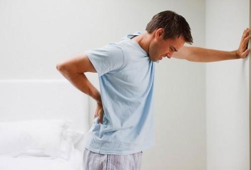 Hỗ trợ điều trị đau lưng bằng thuốc nam